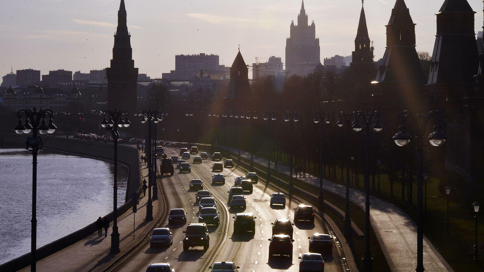 Россиянам рассказали, как защитить автомобиль от летнего солнца