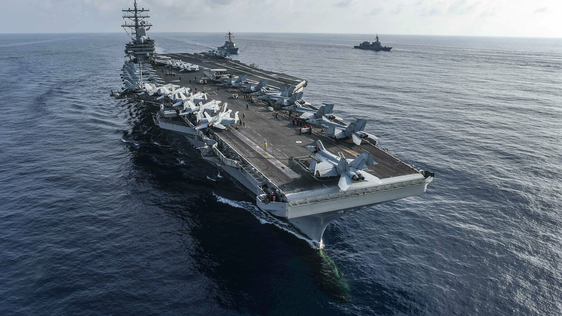 СМИ узнали о планах США отправить авианосец на Ближний Восток