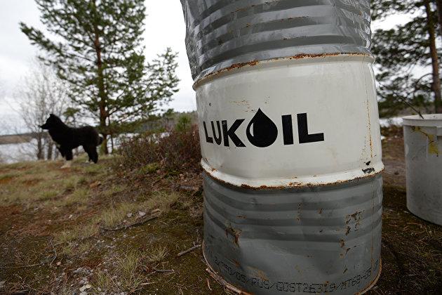 Запасы нефти в США за неделю снизились больше прогноза