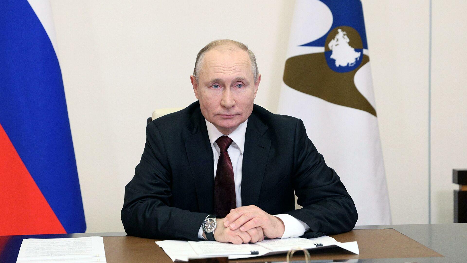 Путин призвал увеличить уровень занятости