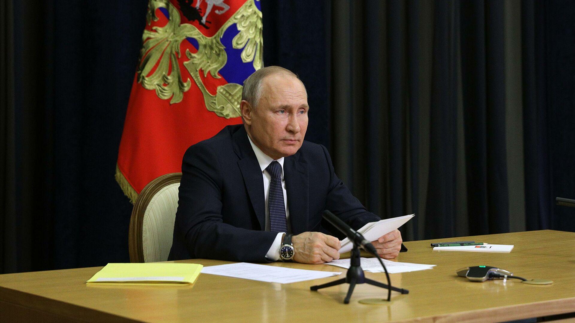 Путин потребовал завершить строительство 20 кораблей в срок