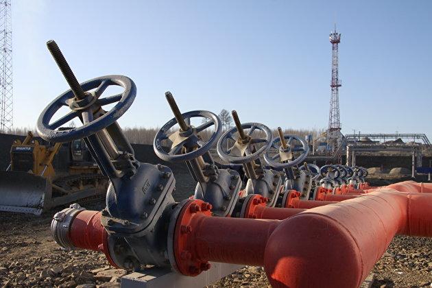 Цены выросли на фоне сокращения запасов нефти и бензина в США