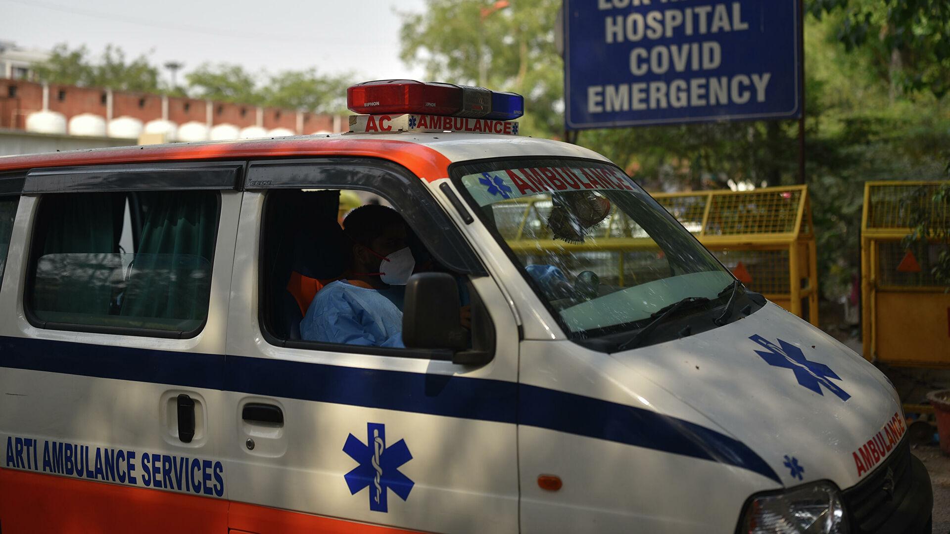 В Индии пять человек погибли из-за циклона