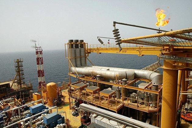 Нефть дешевеет на перспективах увеличения поставок из Ирана