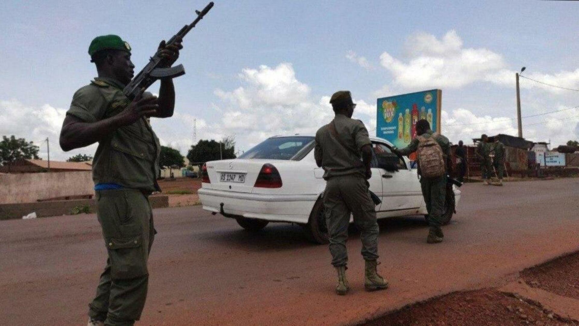 Военные освободили временного президента и премьера Мали