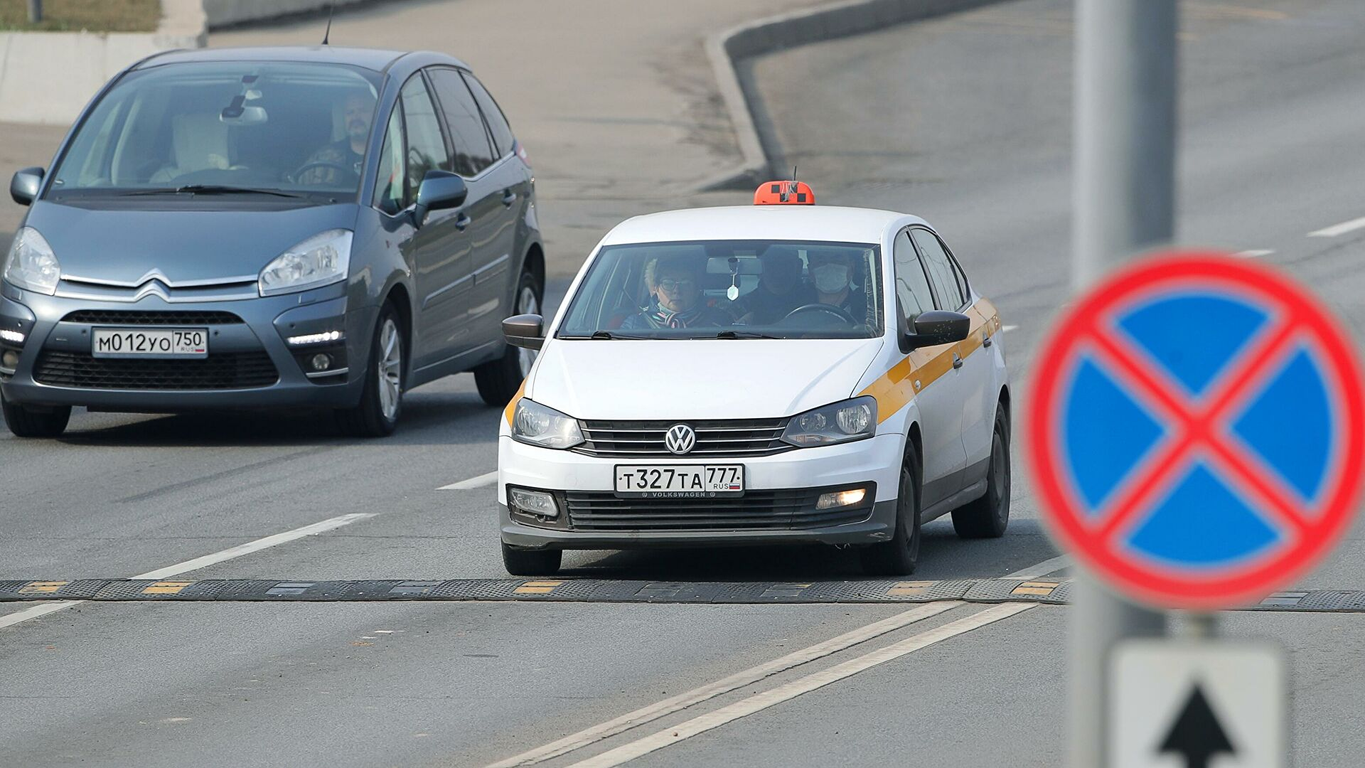 В Москве водители такси начали получать цифровые профили
