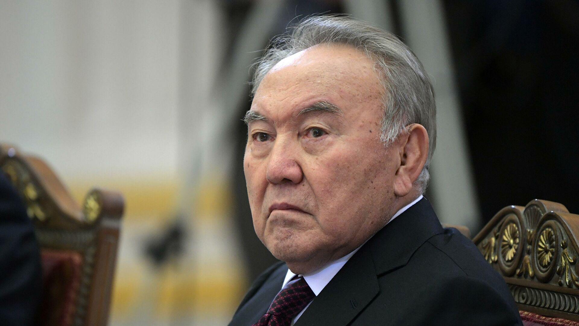 Назарбаев отреагировал на идею установить ему еще один памятник