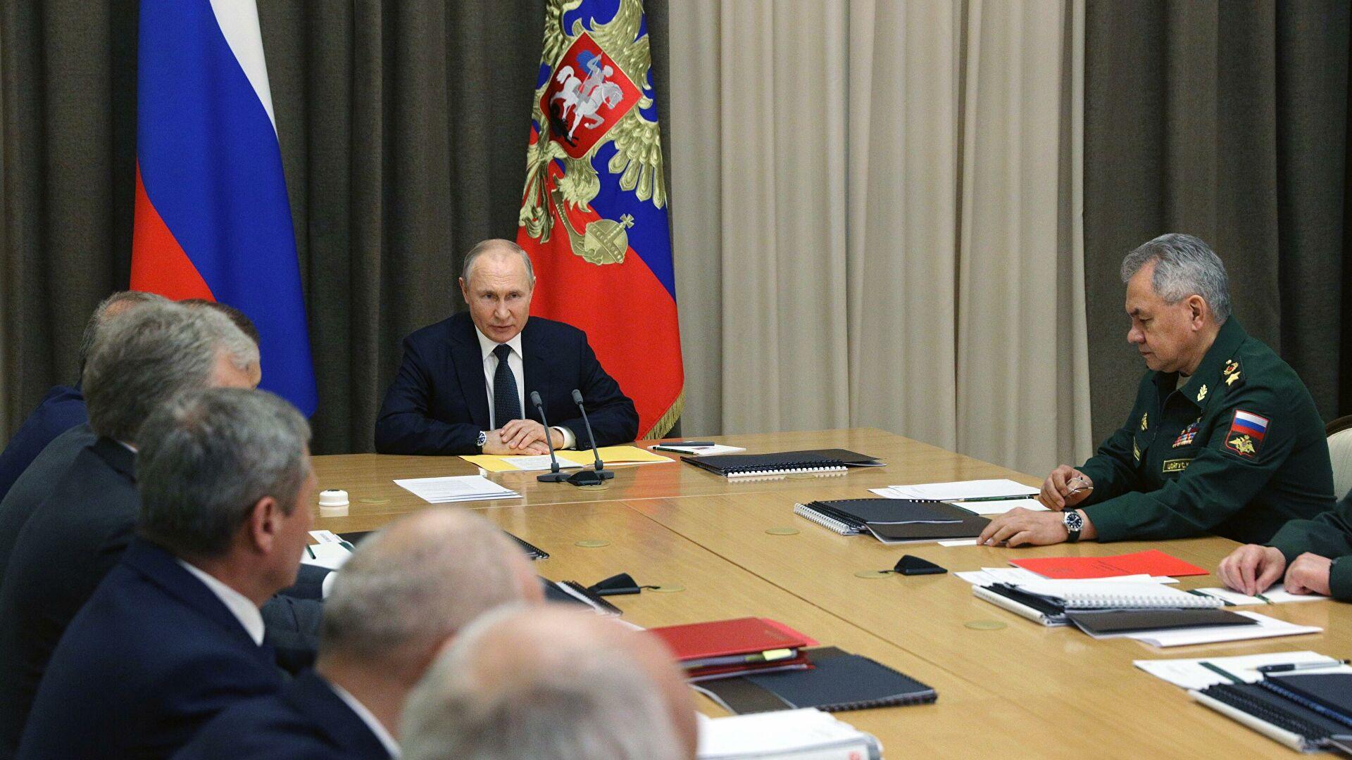 Путин заявил о важности оснащения армии и флота крылатыми ракетами