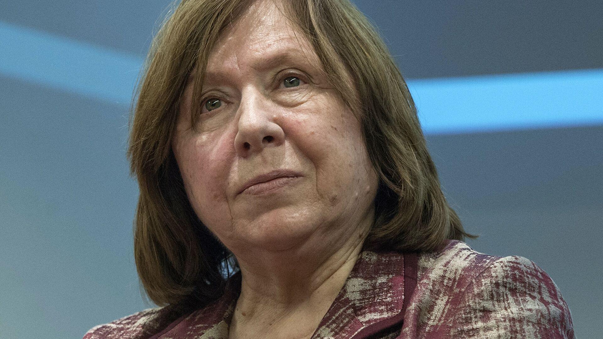 Алексиевич обсудила с Джоли ситуацию в Белоруссии
