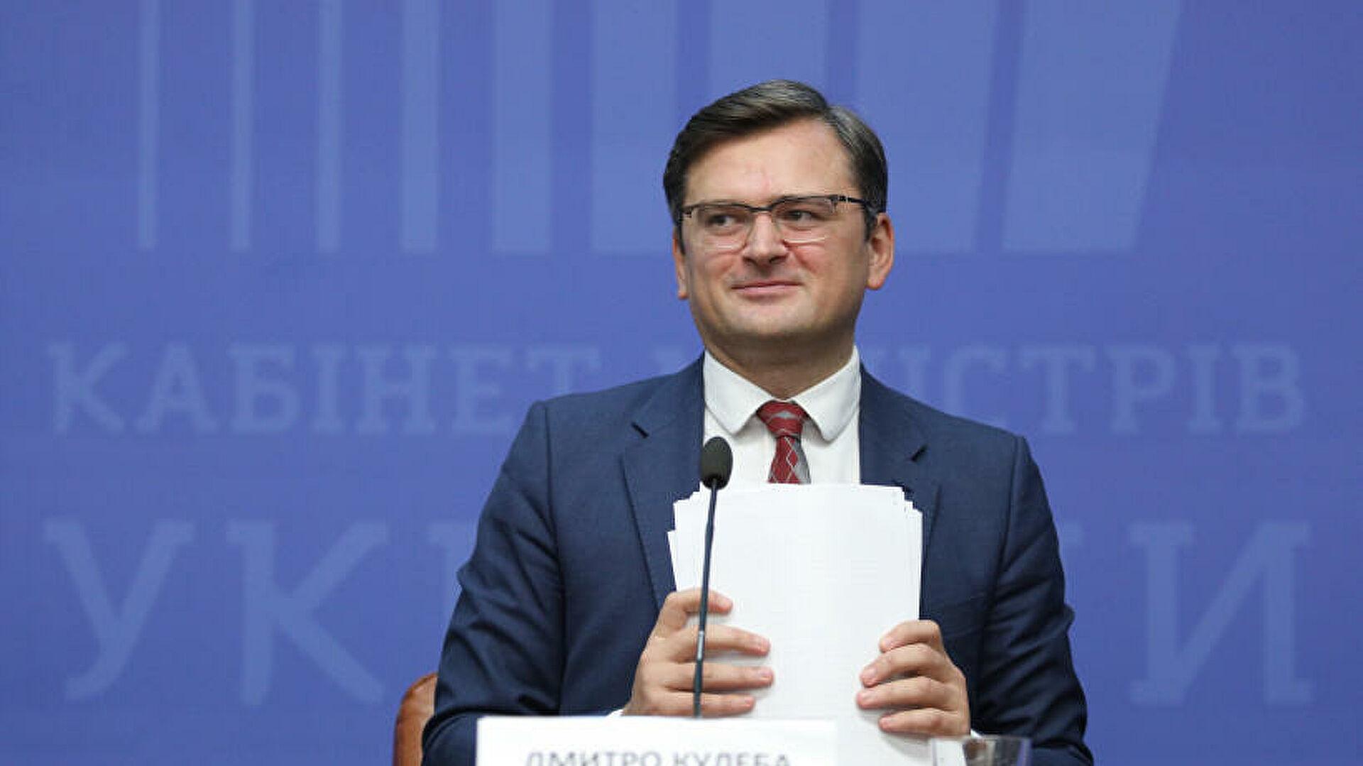 Кулеба заявил, что Киев не собирается вмешиваться в дела Белоруссии