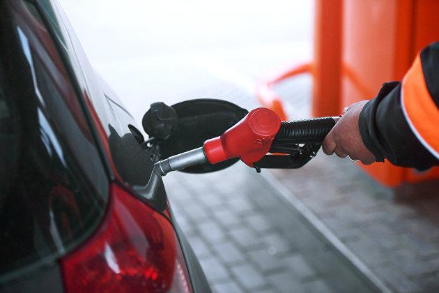 Автовладельцам назвали три способа меньше платить за бензин