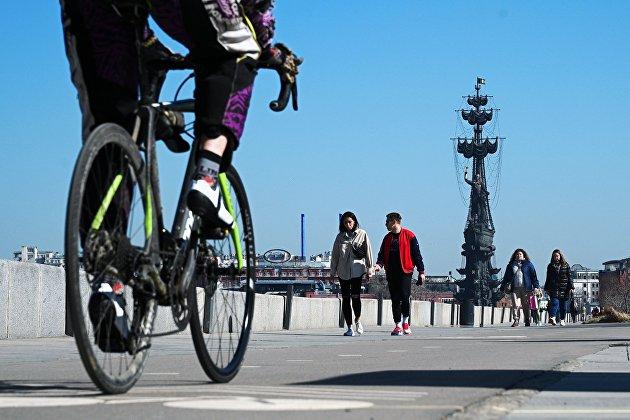 Россияне пересели с домашних тренажеров на велосипеды и ролики
