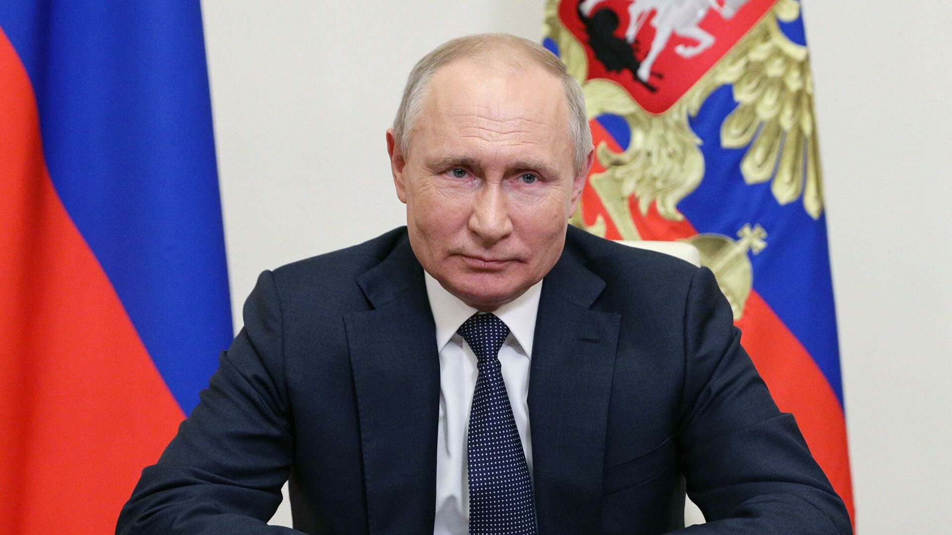 Путин поздравил Алиева с Днем республики