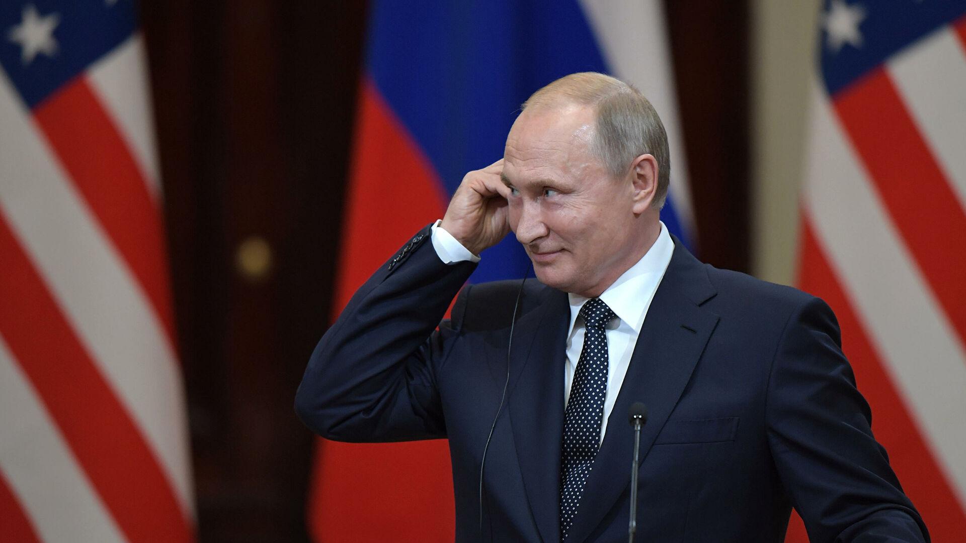 Путину доверяют 60 процентов россиян, показал опрос