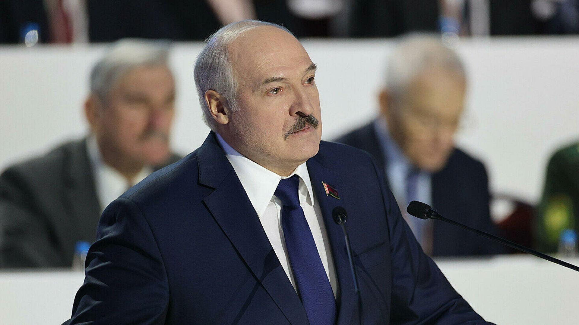 Внешние силы целенаправленно работают против СНГ, заявил Лукашенко