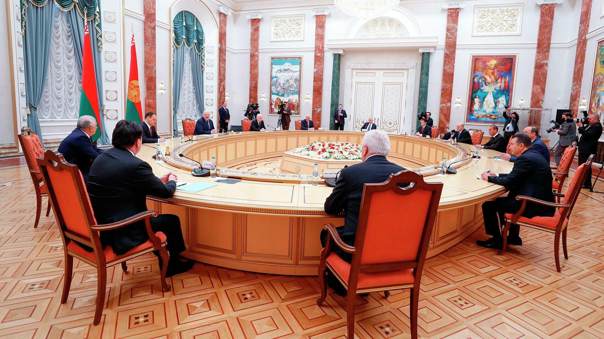 Любая попытка поглощения государства вызовет отпор, заявил Лукашенко