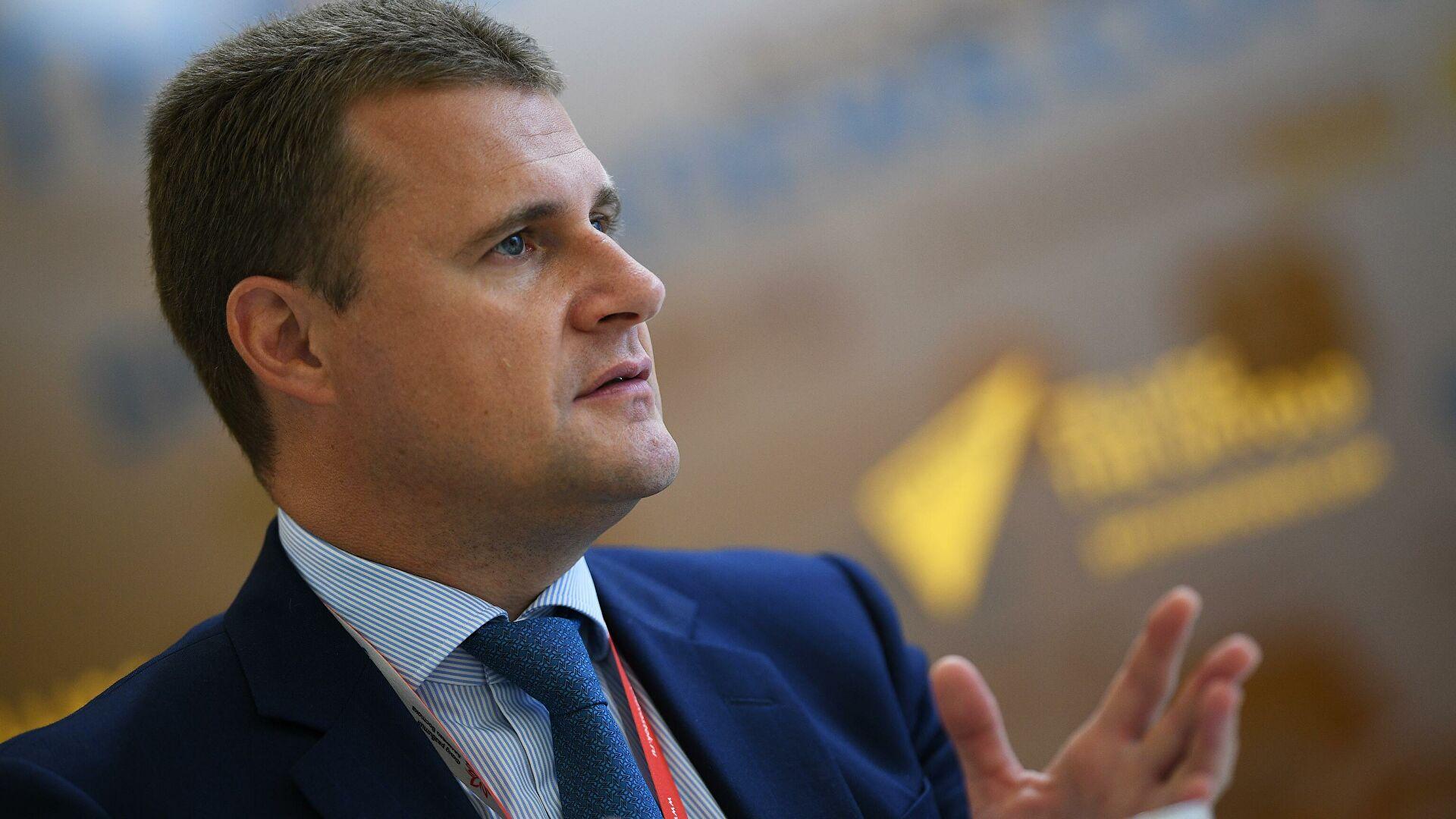 Глава Минвостока рассказал об альтернативе Суэцкому каналу