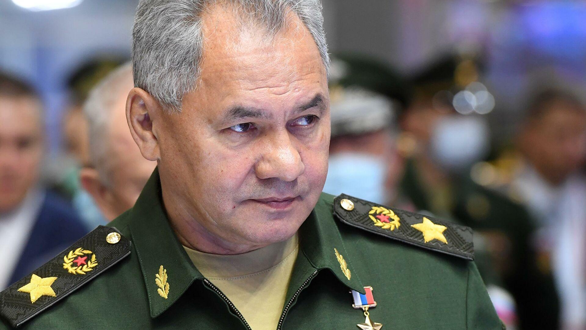 Шойгу встретился с министром обороны Армении