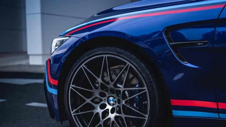 Владельцев BMW и Lada признали самыми агрессивными водителями