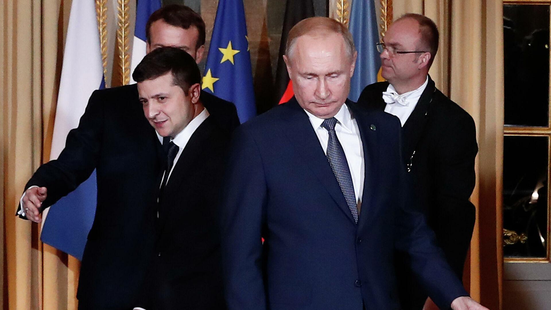 Киев предложил провести встречу Путина и Зеленского в Ватикане