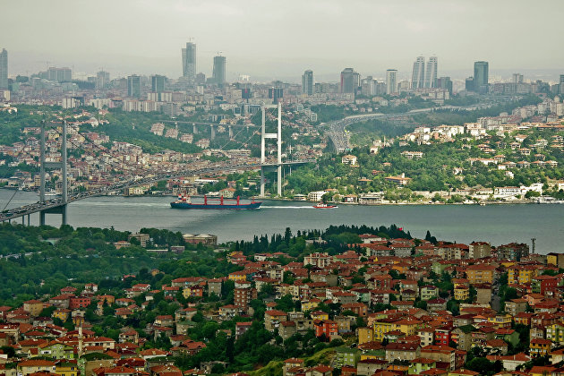 В Турции  из-за аварии остановлено движение по проливу Босфор