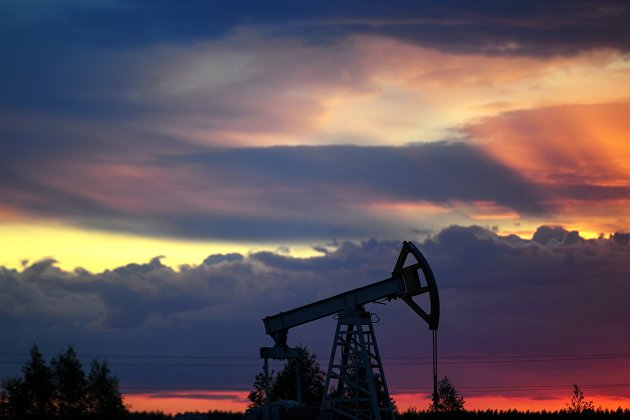 Нефть дорожает на ослаблении опасений за спрос
