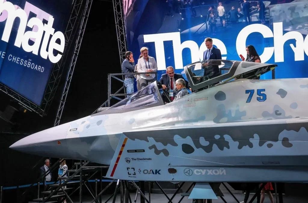 Западные эксперты раскритиковали макет нового российского истребителя
