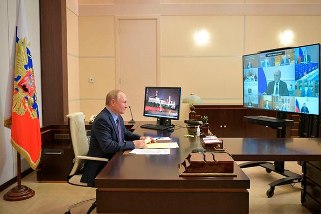 Владимир Путин ушел на самоизоляцию. Что произошло?