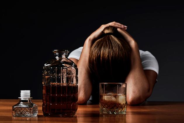 Признаки алкоголизма: как в России борются с пьянством
