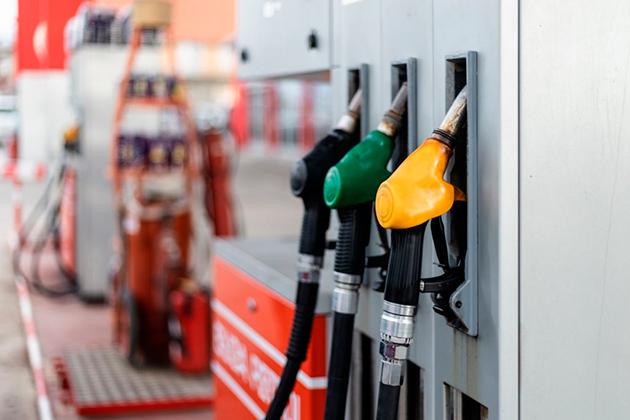 Топливным союзом прогнозируется рост цены бензина уже в октябре.